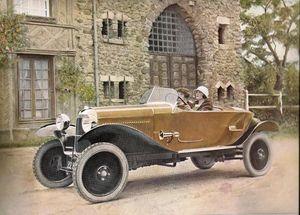 2 femmes en Caddy Citroën