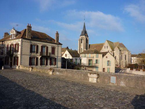 B - Arrêt à Pont-sur-Yonne